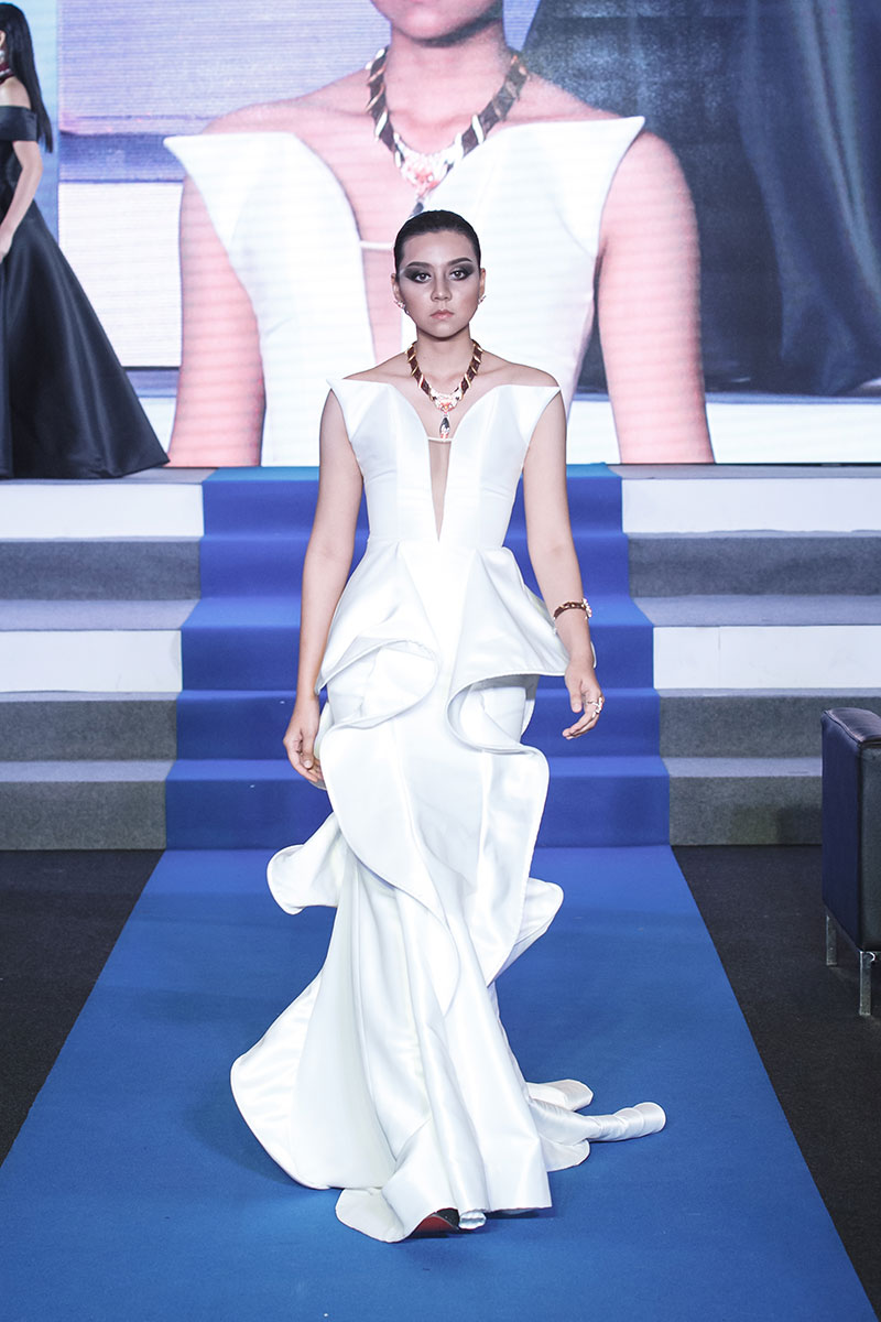 The beautiful silky meringue is even an inspiration to couture dress design.